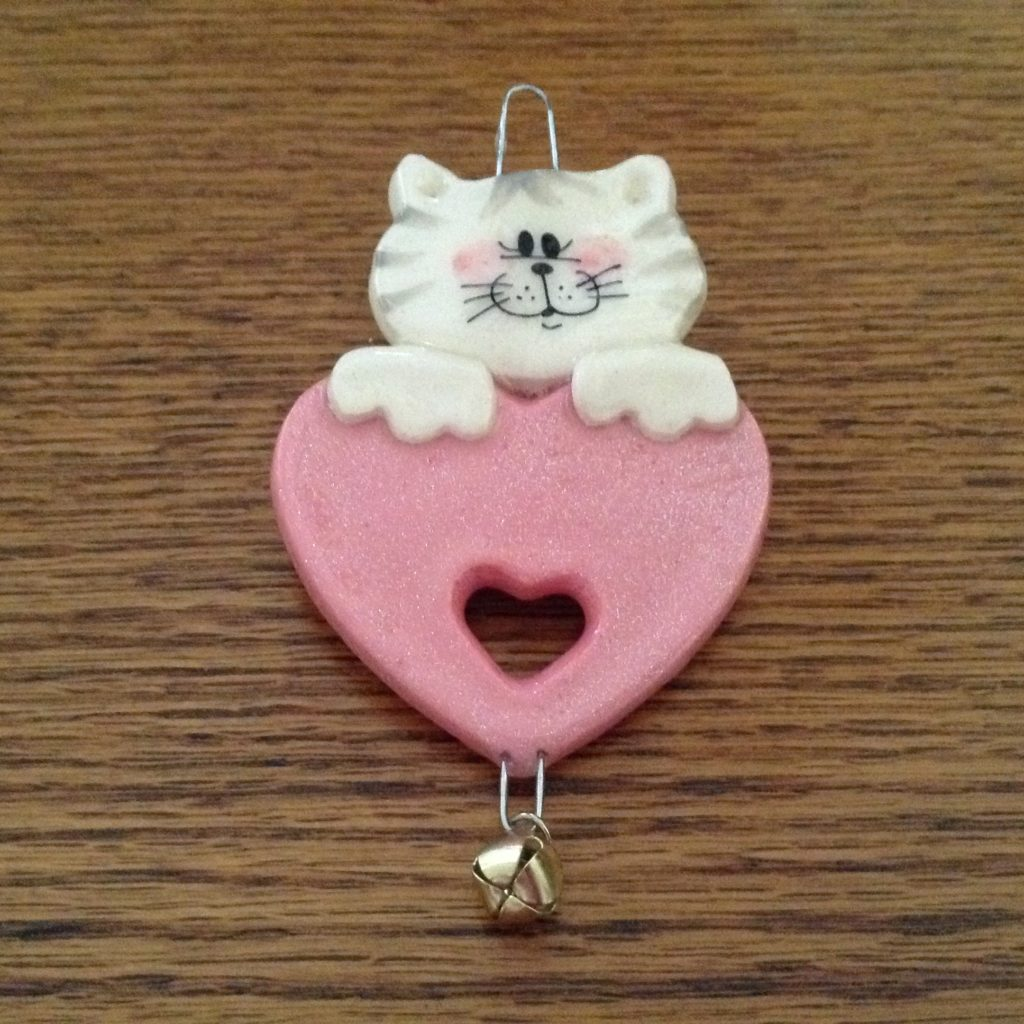 White-Kitten-W-Pink-Heart