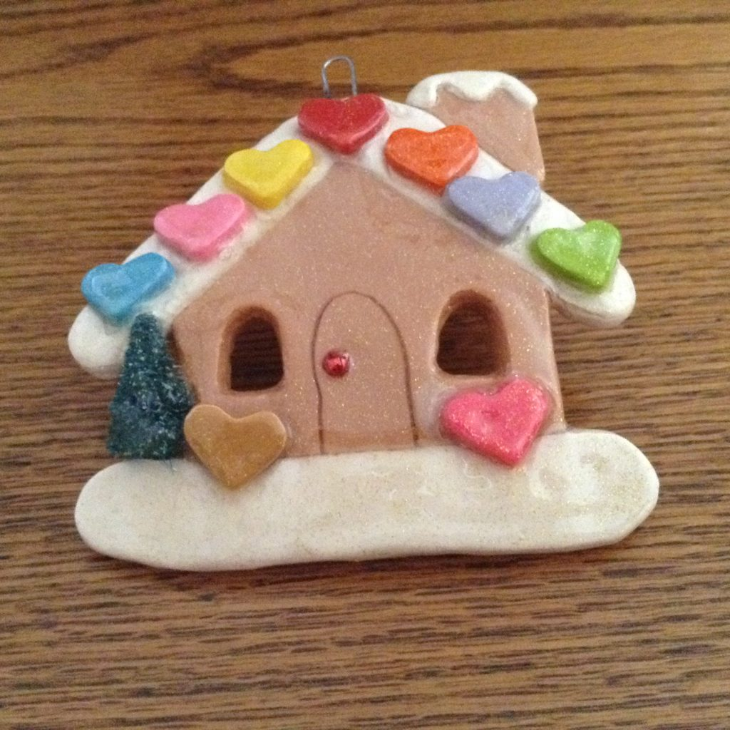 Gingerbread-House-W-Hearts